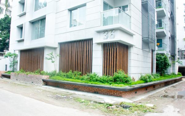 Momen Real Estate